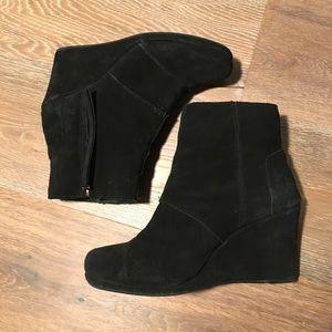 Toms Black Wedge Heel Suede Boots